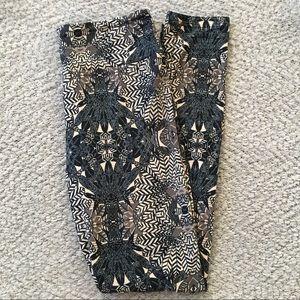 NEW LuLaRoe OS Leggings Tribal Feathers